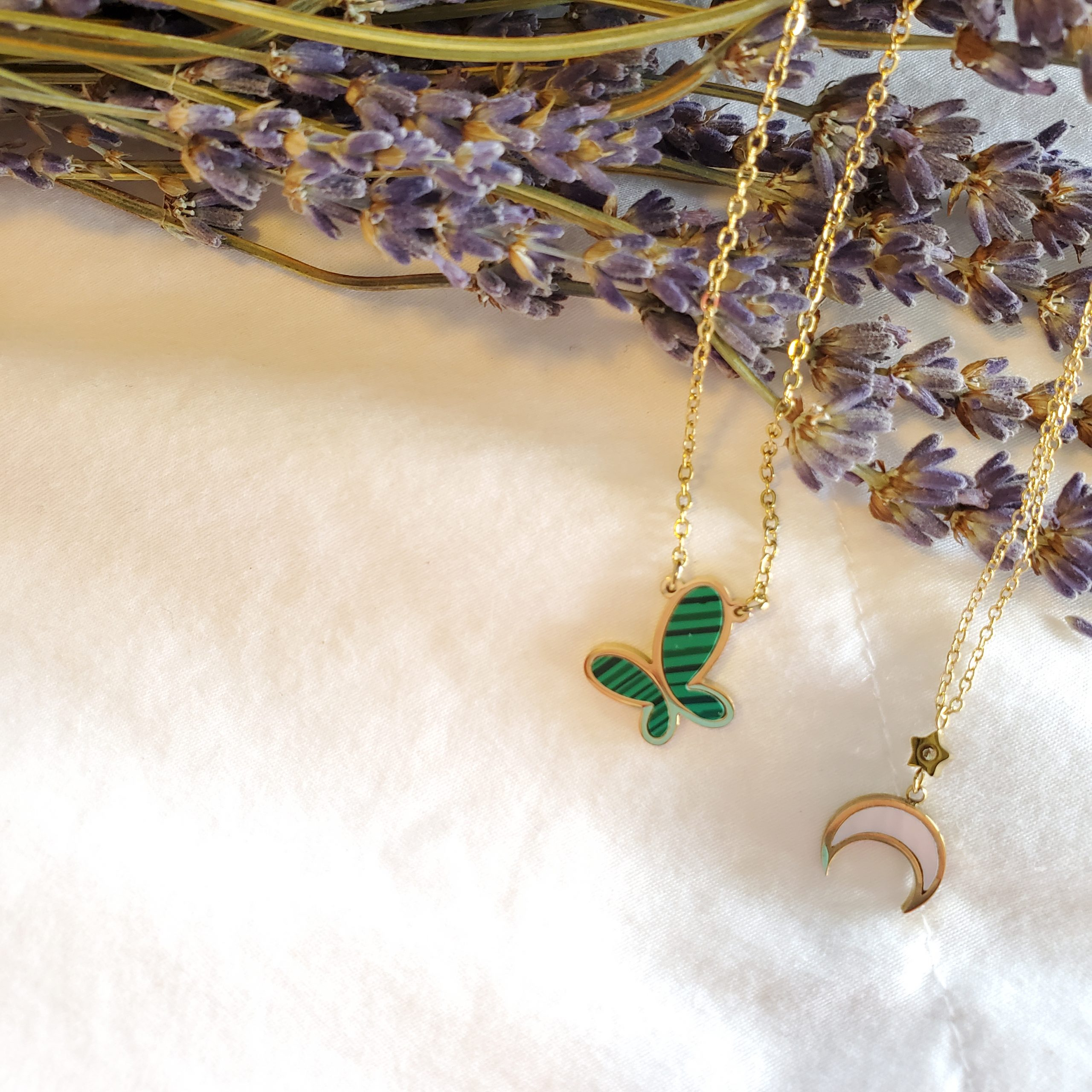 Necklaces/Chains
